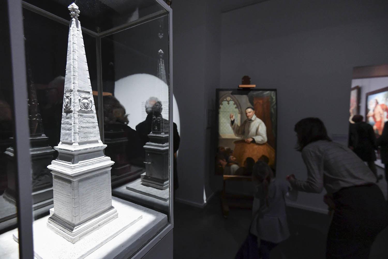Inauguration de l'exposition Bernard d'Agesci, maquette du monument commémorant le passage du Comte d'Artois ©Darri