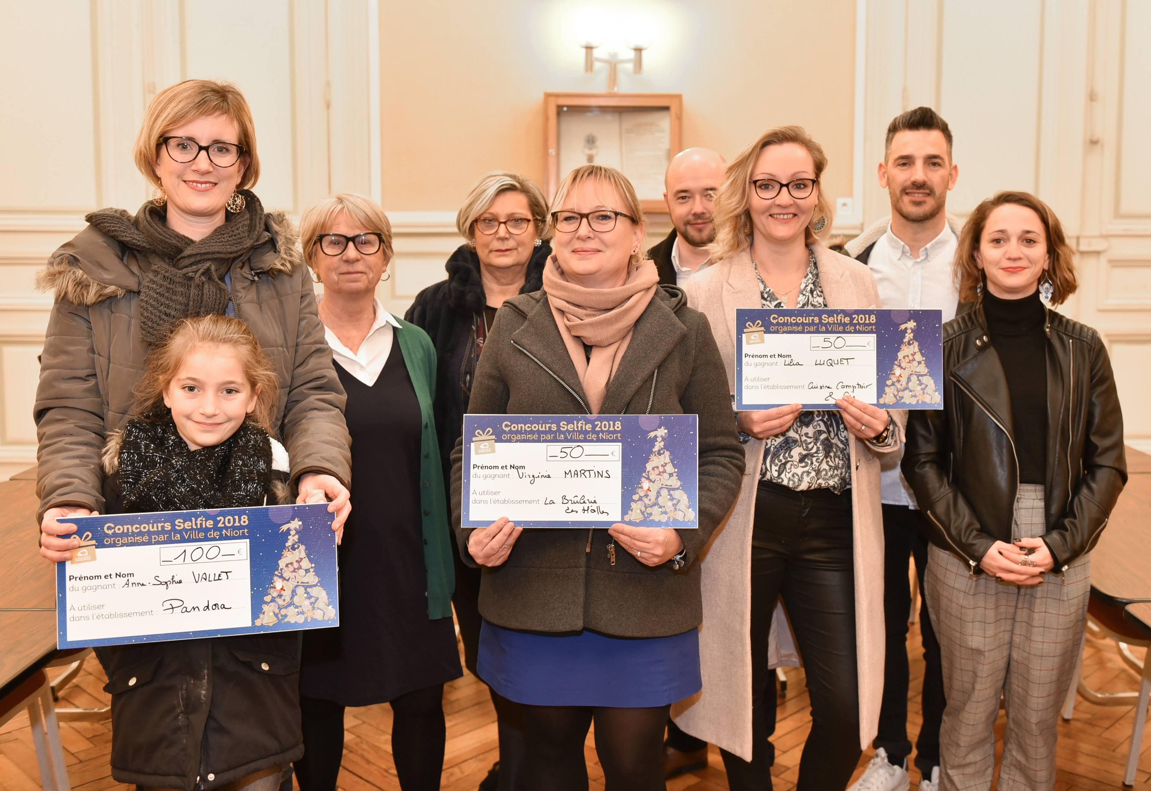 Trois Prix Pour Les Plus Beaux Selfies Mairie De Niort