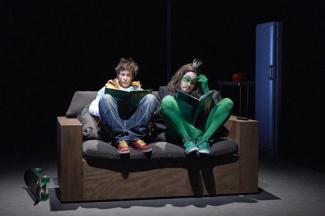 """Théâtre.""""Dormir cent ans"""""""