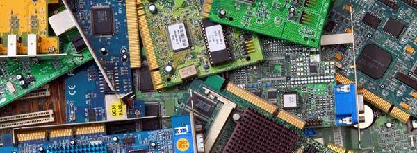 Cartes PCI © xavdlp - Fotolia