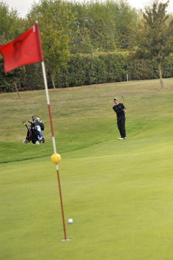 Golf © Bruno Derbord