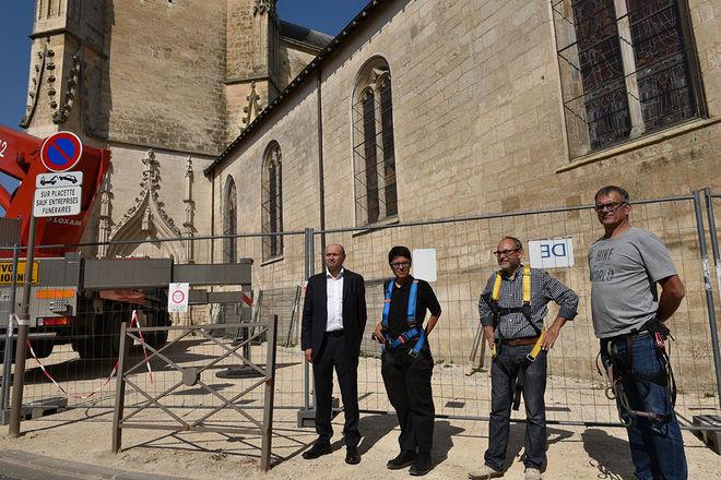 Diagnostic avant les travaux de restauration de l'église Notre-Dame - Présentation de l'opération à la presse en présence de Michel Pailley, adjoint au maire de Niort©Bruno Derbord