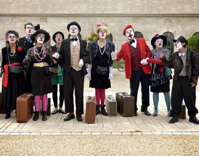 Le Très Grand Conseil Mondial des Clowns