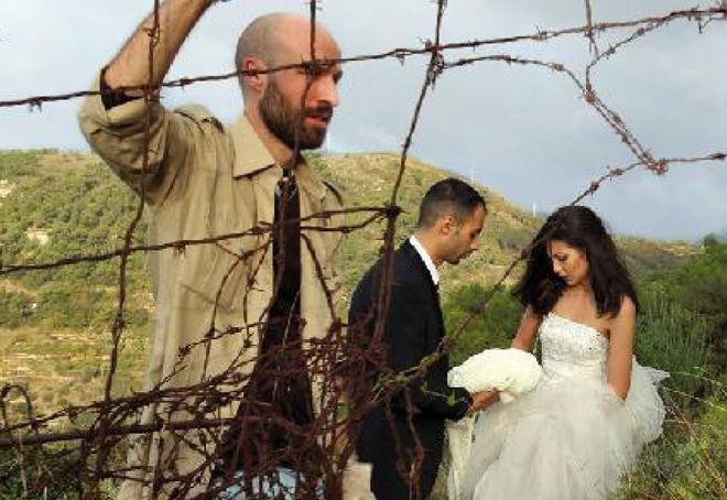 Moi, je suis avec la mariée