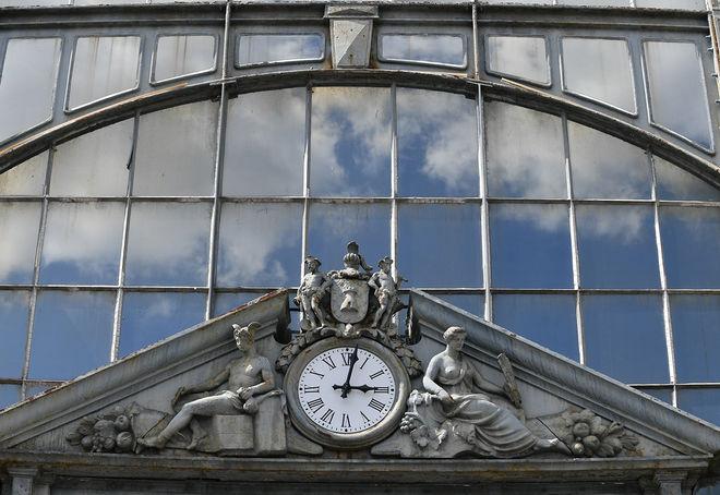 point presse installation des horloges des halles