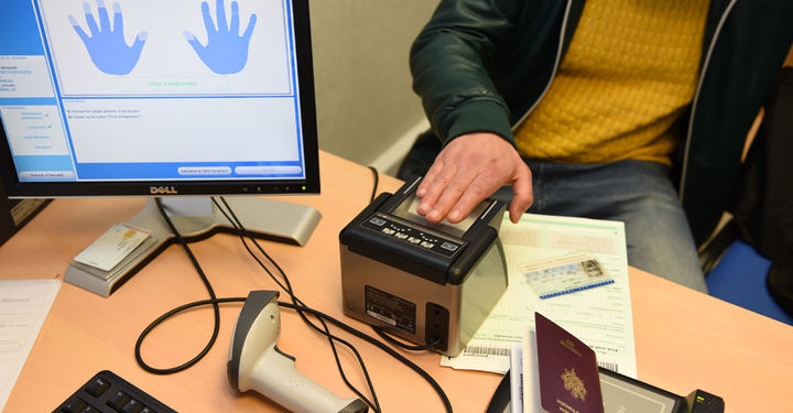 Demande carte d'identité et passeport ©BDerbord