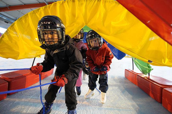 Jeux sur glace pour les plus jeunes
