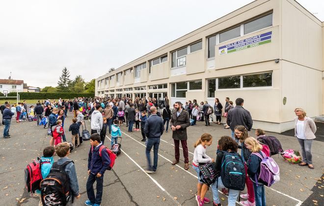 Rentrée scolaire au groupe scolaire George Sand ©Alex Giraud