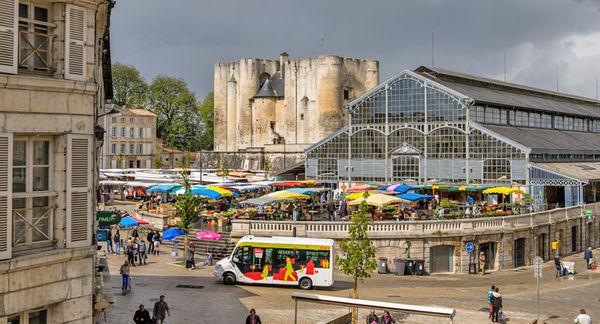 La navette Cititan place des Halles - Photo Alex Giraud