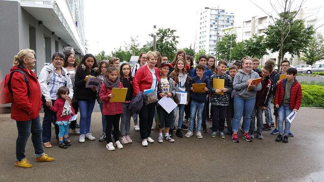 Visite du quartier du Clou-Bouchet par des élèves de Niort Agglo ©IT