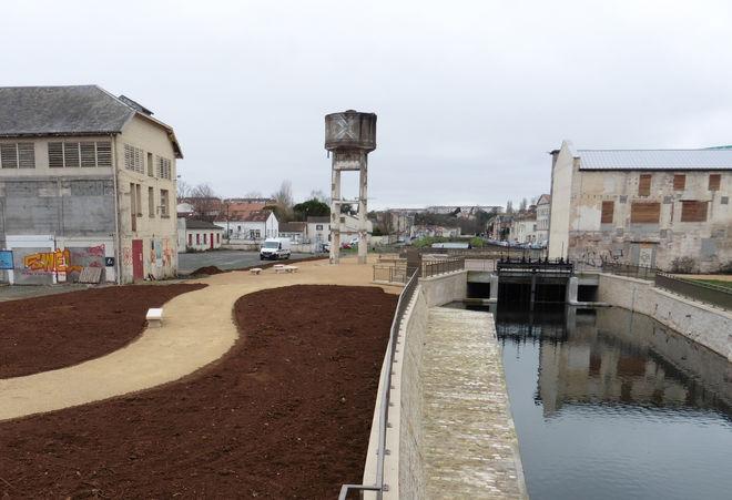 Des espaces éphémères en cours d'aménagement sur le site des anciennes usines Boinot ©CAN