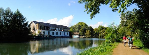 La Sèvre niortaise - quartier de Saint-Liguaire ©Christophe Bernard