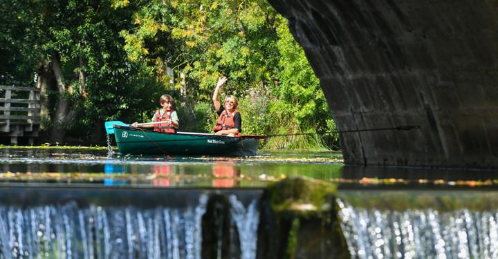Paysages de la Sevre Niortaise cabanes de peche touristes en canoe Niort plage