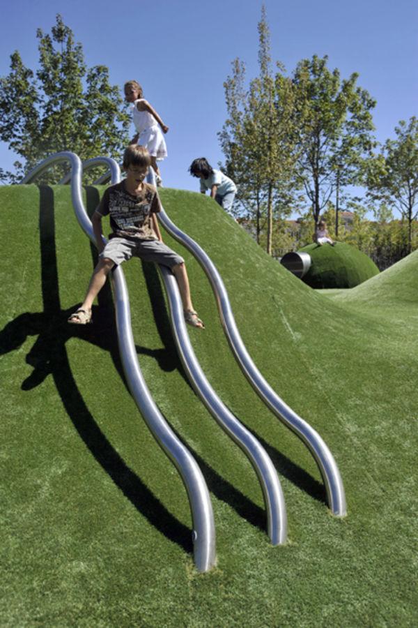 Jardins de la Brèche, l'esplanade de jeux. Photo Darri.