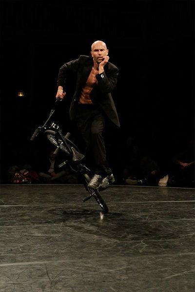 Cirque d'été : Vincent Warin, Cie 3.6 3.4 - L'homme V