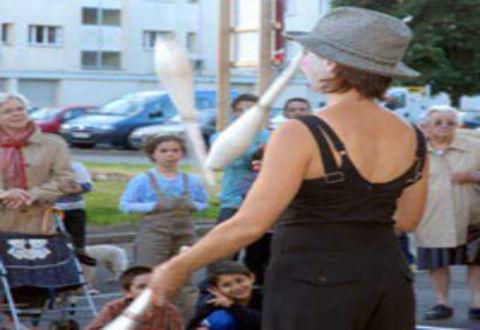 Illustration article : Soirée festive rue Bougainville