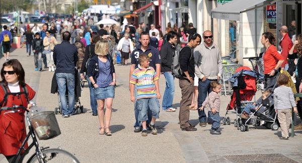 Une rue commerçante du centre-ville - Photo Bruno Derbord