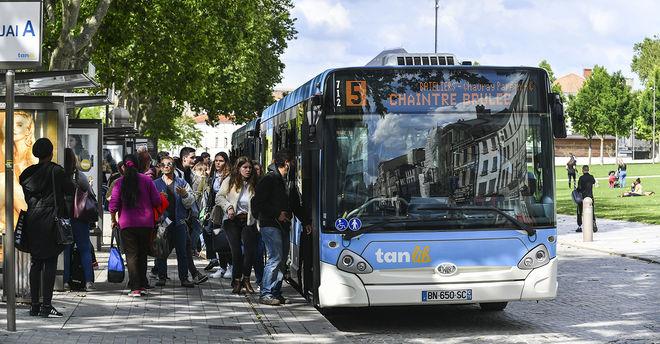 Bus TAN dans la ville de Niort