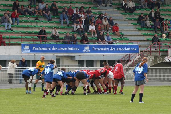 Match de rugby féminin au stade Espinassou à Niort