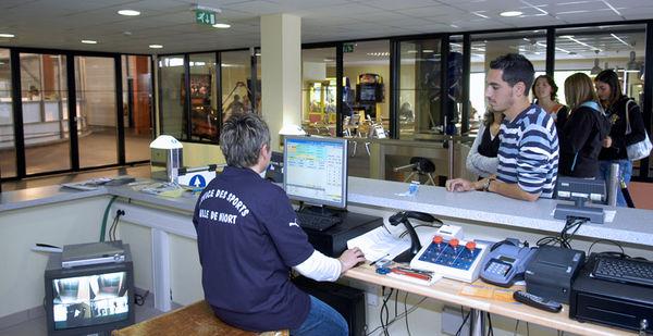 Banque d'accueil de la patinoire municipale de Niort