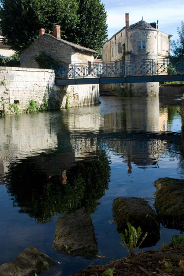La Sèvre niortaise en centre-ville ©Géo Buch Création