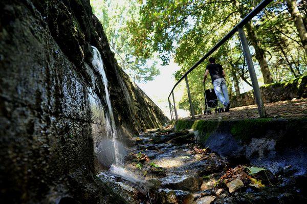Fontaine des Amourettes ? sentiers de Sainte-Pezenne ©Marie Delage