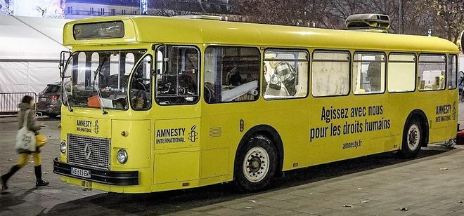 Le bus Amnesty International fait étape à Niort
