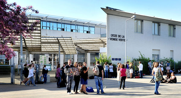 Lycée de la Venise verte, 2012. Crédit : Bruno Derbord