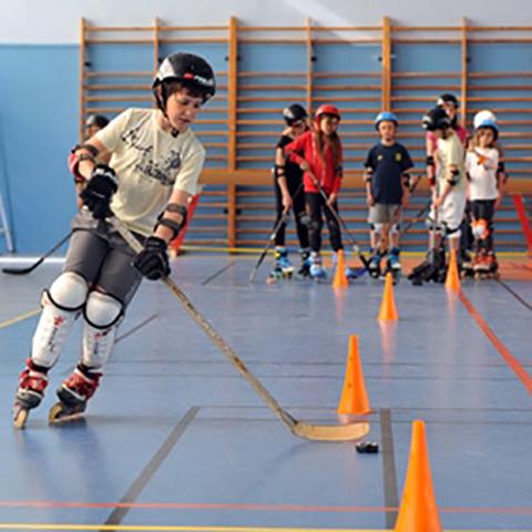 Initiation au hockey par le Niort Hockey Club