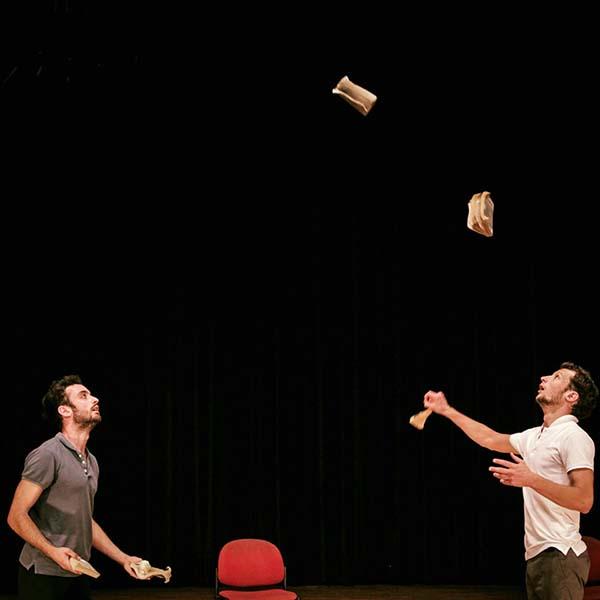 Acrobatie : Enlivrez-vous - Niort - Festival de l'Agglo, Regards Noirs