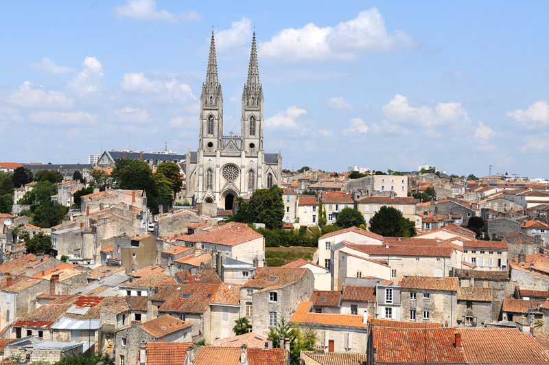 Centre ville mairie de niort - Office de tourisme la rochelle recrutement ...