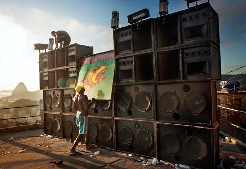 "Expo. ""Rio Baile funk - Le rap des favelas"""