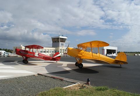 Exposition d'avions de collection